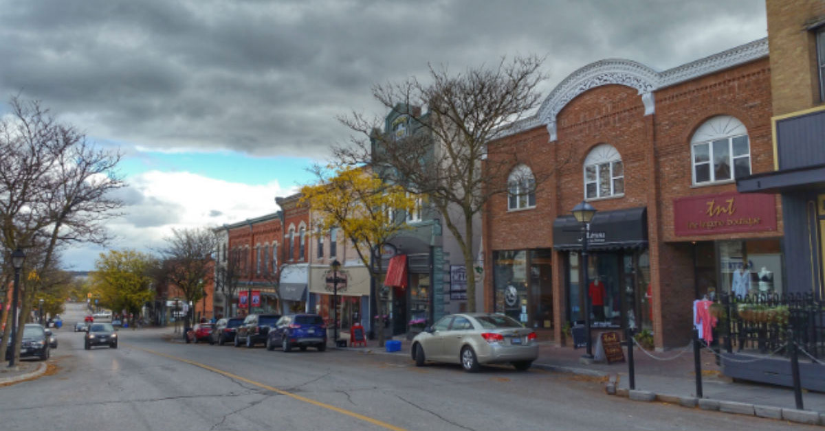 10 things that successful small-town downtowns do